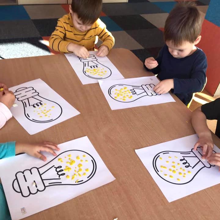 Co to jest prąd? Przedszkolaki rozmawiają o elektryczności